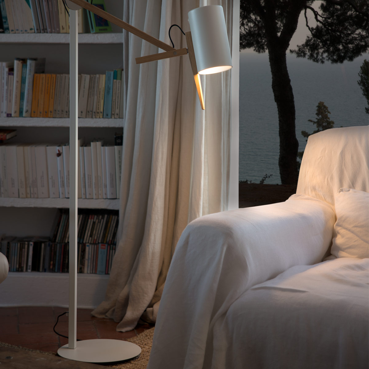Scantling 73 Floor Lamp