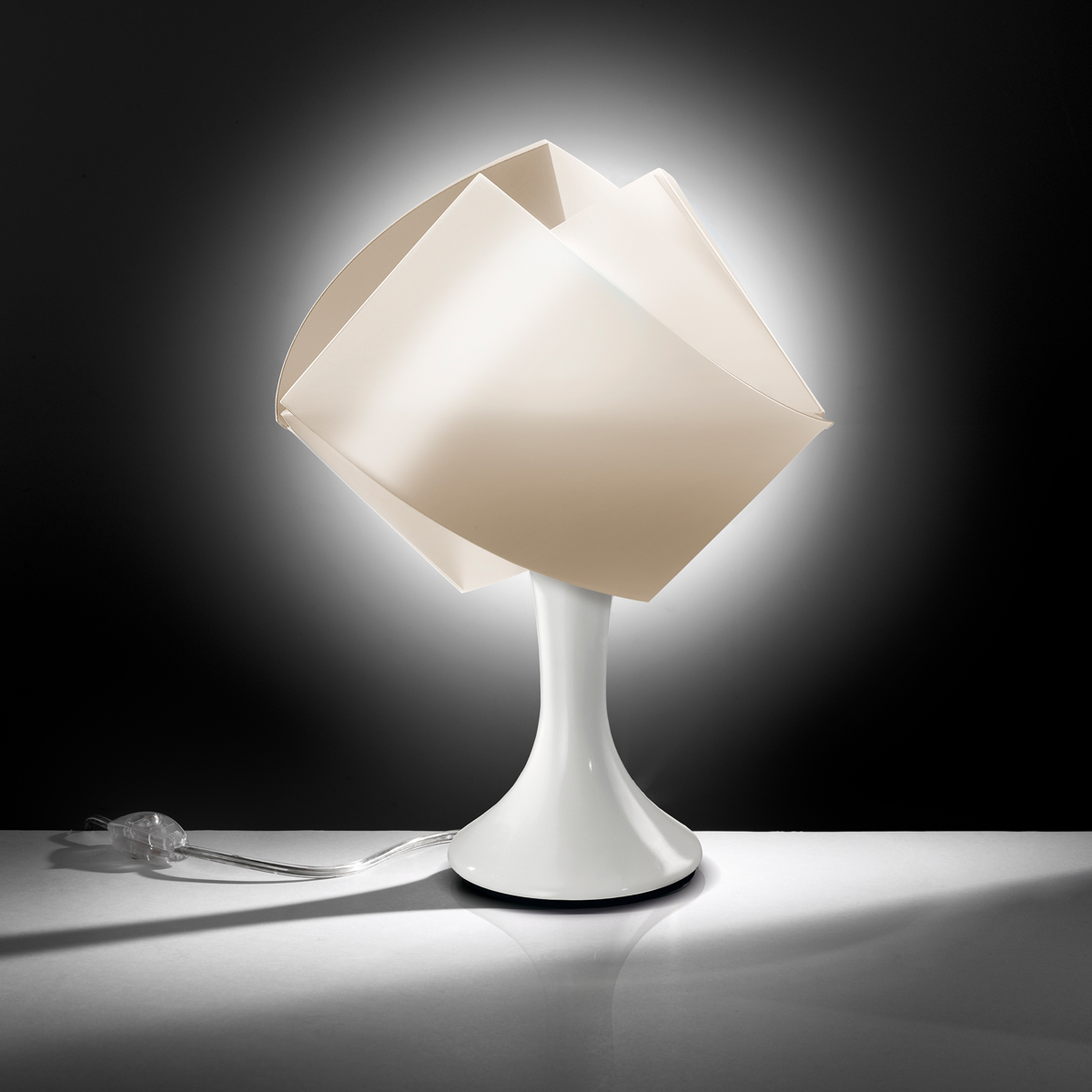 Gemmy Table Lamp