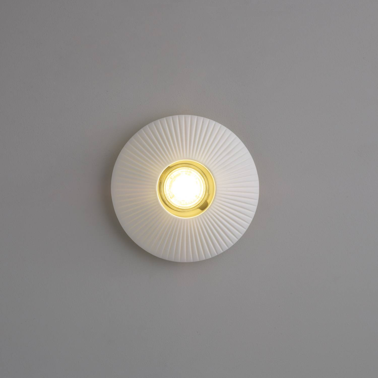 Sopra Downlight Ridged Ceiling Lamp