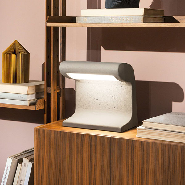 BORNE BÉTON Small Table Lamp