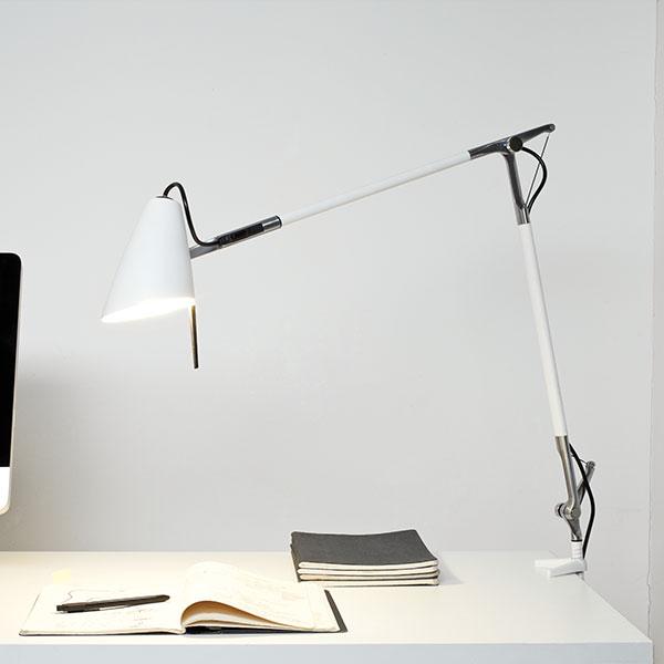 LEO Table Lamp