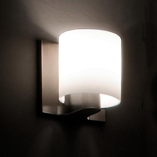 Tilee Wall Lamp