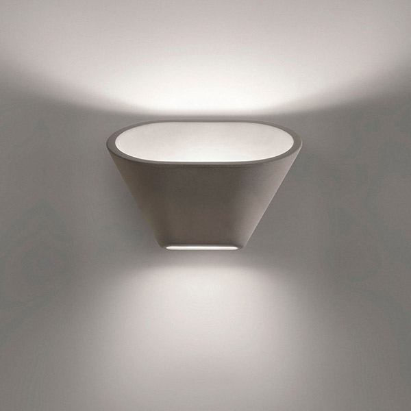 Aplomb Wall Lamp