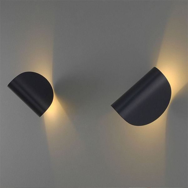 IO Wall Lamp