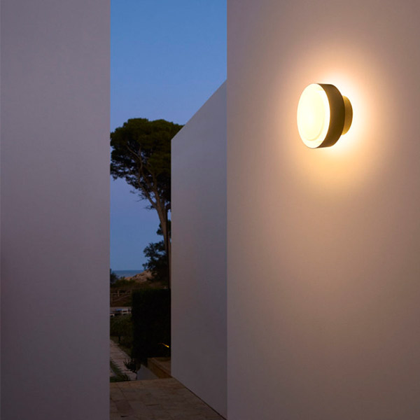 Plaff-On! Outdoor Wall Lamp