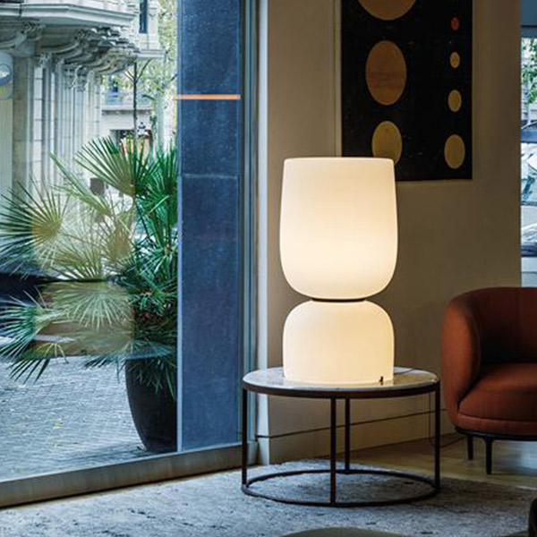Ghost 4970 Table Lamp