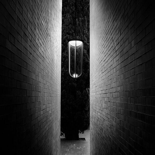 In Vitro Outdoor Suspension Lamp